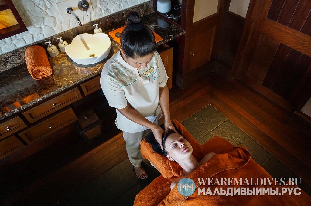 Спа массаж головы в спа-центре CHI отеля Шангри-Ла Мальдивы