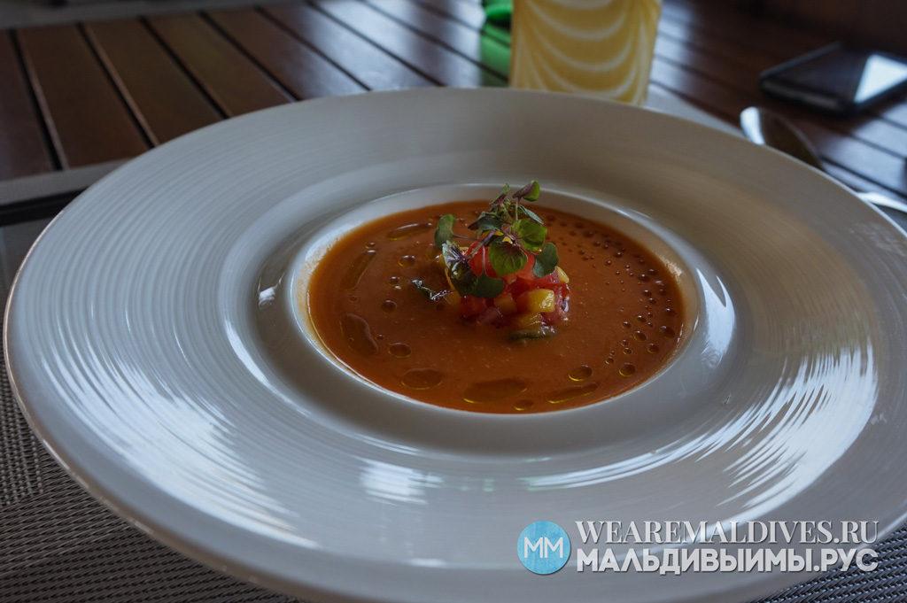 Сыроедческое блюдо в ресторане RAW отеля Хувафен Фуши