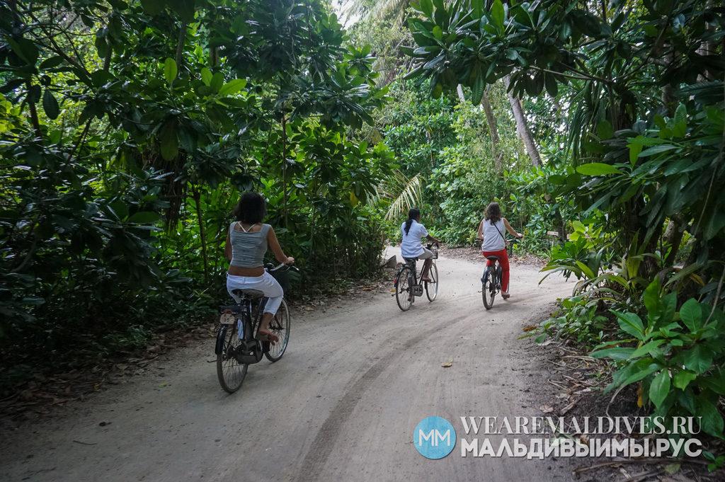 Поездка на велосипеде по острову Soneva Fushi