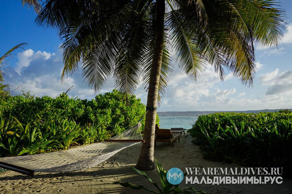 Гамак на личном пляже в Сонева Фуши