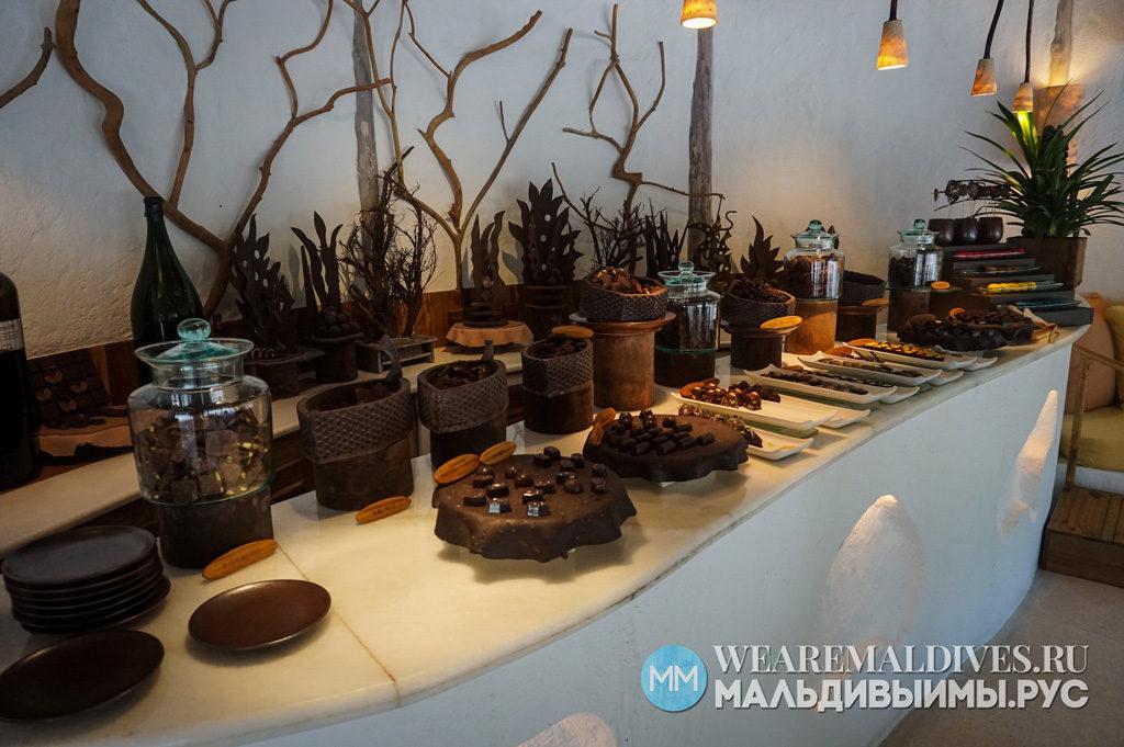 Шоколадная комната в отеле Soneva Fushi на Мальдивах