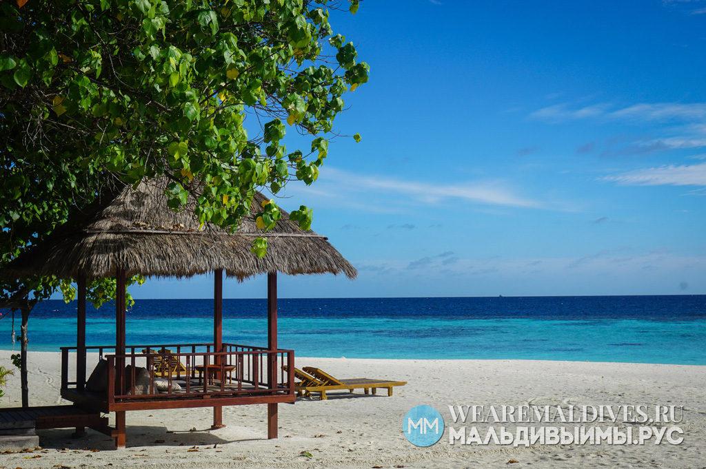 Пляж отеля Баньян Три на Мальдивах