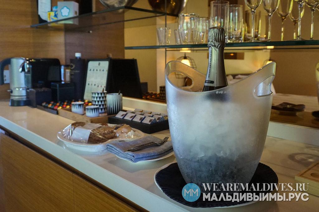 Шампанское в подарок для гостей отеля PER AQUUM Huvafen Fushi