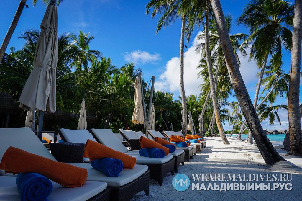 Пляж в отеле на Мальдивах